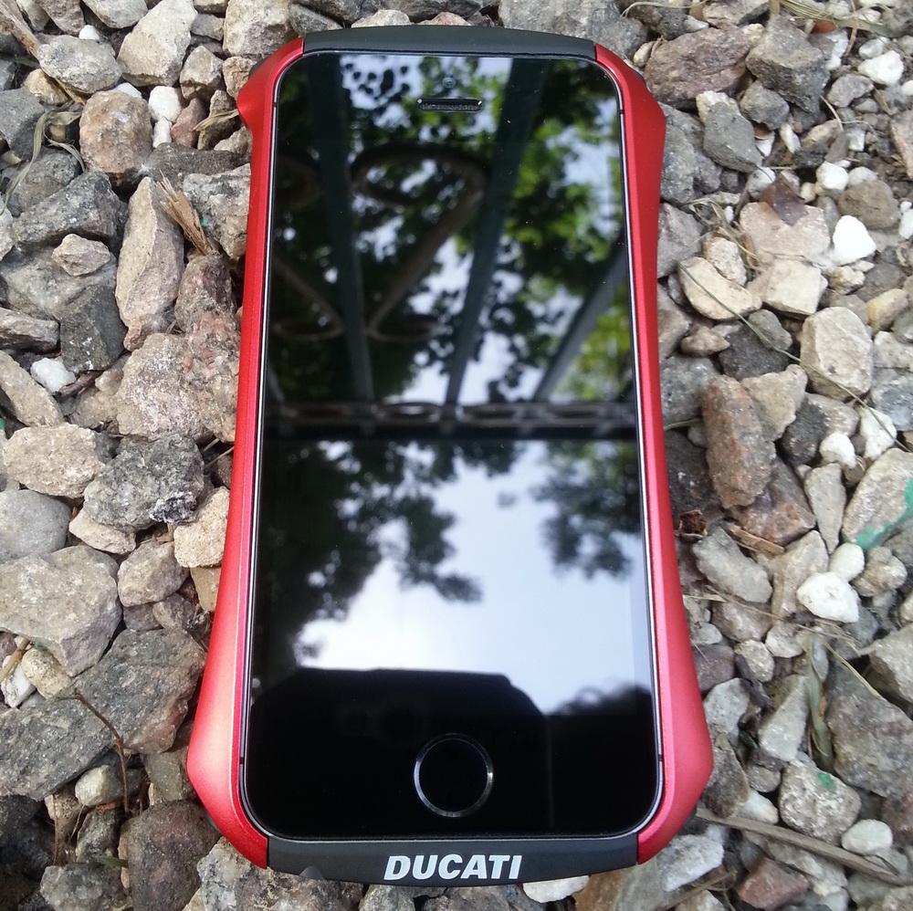 металлический бампер для iphone